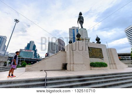 Bangkok Thailand - May 25 2016: The monument of king RAMA VI in front of Lumpini park in a center of business district in Bangkok Bangkok skyscape Bangkok city-scape Bangkok Thailand.