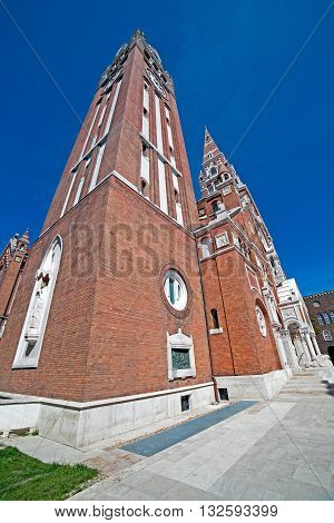 Votive Church of Our Lady of Hungary in Szeged. Construction began in 1913 and it was completed at 1930.