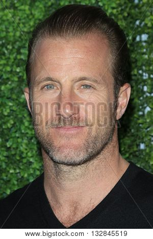 LOS ANGELES - JUN 2:  Scott Caan at the 4th Annual CBS Television Studios Summer Soiree at the Palihouse on June 2, 2016 in West Hollywood, CA
