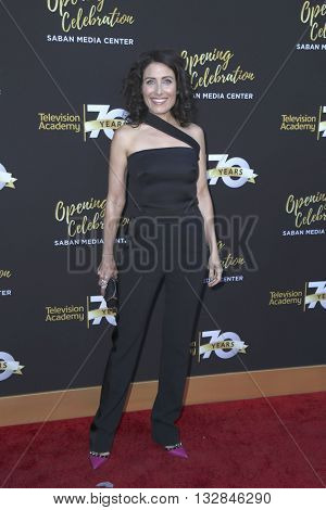LOS ANGELES - JUN 2:  Lisa Edelstein at the Television Academy 70th Anniversary Gala at the Saban Theater on June 2, 2016 in North Hollywood, CA