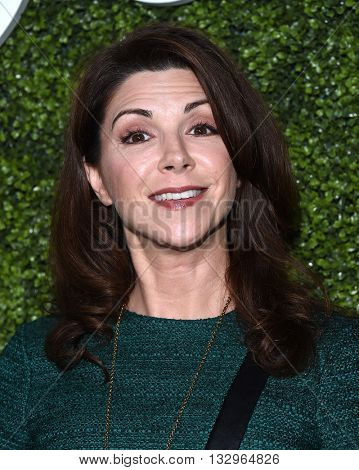 LOS ANGELES - JUN 02:  Amy Pietz arrives to the 2016 CBS Summer Soiree  on June 02, 2016 in Hollywood, CA.