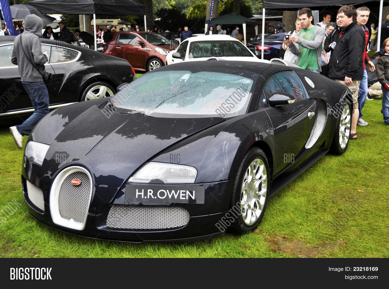 london - september 04 image & photo (free trial) | bigstock