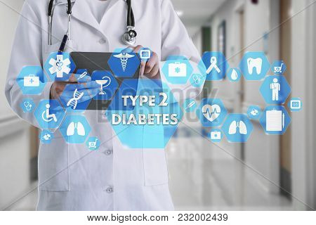 Medical Doctor With Stethoscope And Type 2 Diabetes Icon In Medical Network Connection On The Virtua