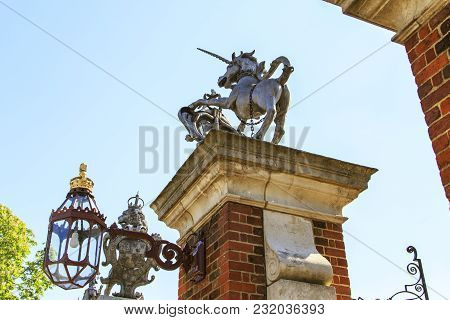 Hampton Court, Great Britain - May 18, 2014: These Are The Symbols Of Great Britain - The Unicorn An