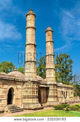 Sahar Ki Masjid At Champaner-pavagadh Archaeological Park. A Unesco World Heritage Site In Gujarat,