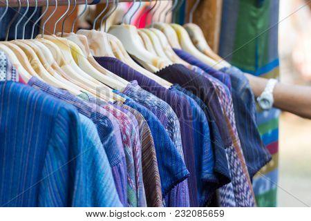 Thai Tradition Thai Silk - Handmade Woven Fabrics Of Thai Silk Textiles For Thailand Culture With Tr