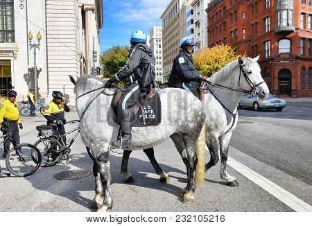 Washington, Dc - October 2014 , Washington, Dc Park Police On Horses And Bicycles In The Downtown Dc