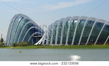 Singapore - Apr 2nd 2015: Day View Of Cloud Forest Flower Dome At Gardens By The Bay. Spanning 101 H