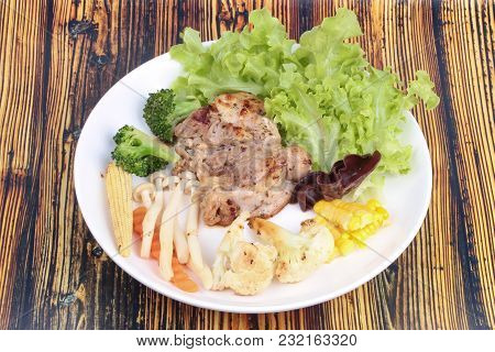 Homemade ,chicken Steak And Grilled Mixed Vegetables As Chinese Cabbage ,sliced Sweet Corn,corn,carr