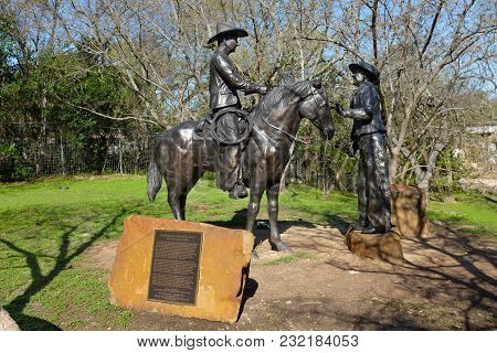 Round Rock, Texas - March 19, 2018: Gathering Brands Sculpture At Chisholm Trail Park. The Park Feat