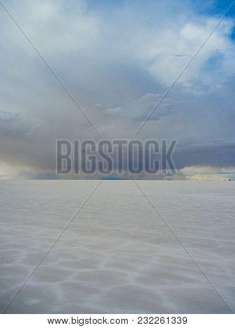 Salar De Uyuni Salt Flat In Bolivia Biggest Salt Lak In The World