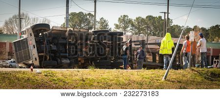 March 10, 2017: Carrboro Nc Usa-logging Truck Overturned On Highway With People Watching...