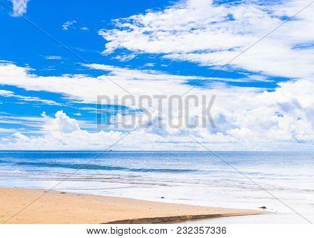 Divine Coastline Sunshine Days