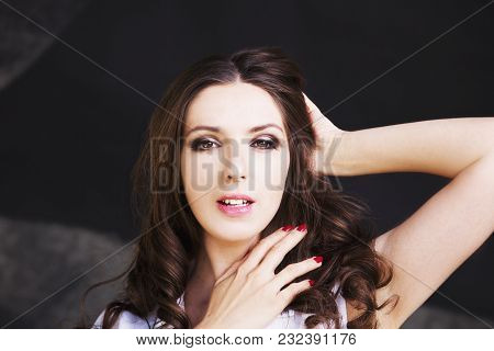 Beautiful Fashion Model Girl With Brunette Hair. Portrait Of Glamour Woman