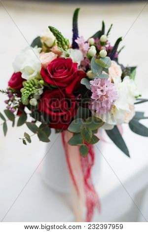 Picture Of A Beautiful Wedding Bouquet With Roses
