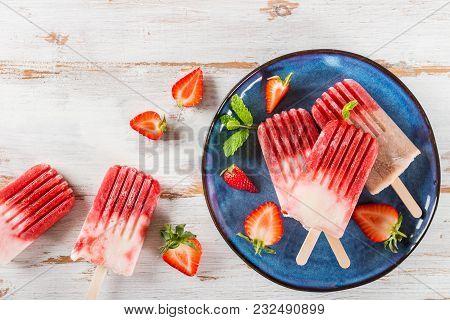 Homemade Vegan Strawberry Popsicle