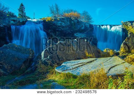 Twin Falls, Lundbreck Falls Provincial Recreation Area, Alberta, Canada
