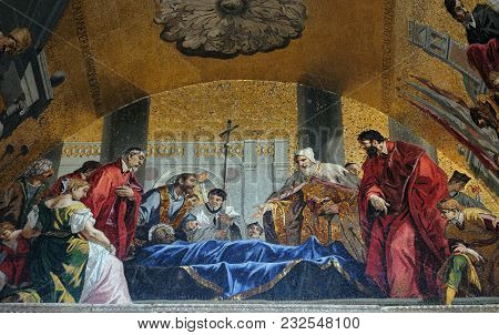 VENICE, ITALY - MAY 28 : St. Mark's body being venerated by the Doge and Venetian magistrates, mosaic of St. Mark's Basilica, Venice, Italy, UNESCO World Heritage Sites on May 28, 2017.