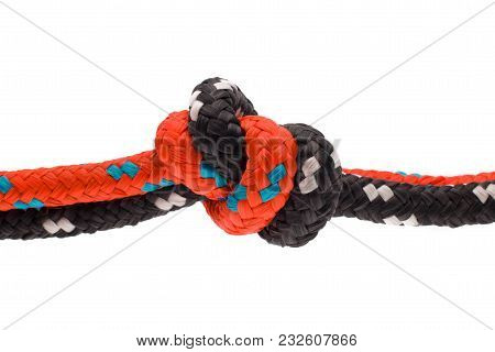 Seil Mit Knoten - Strong.  Strong Knot Of Thick Rope. Move Between People.