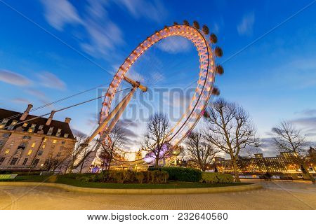 London, United Kingdom - January 17: This Is An Evening View Of The Famous London Eye Ferris Wheel,