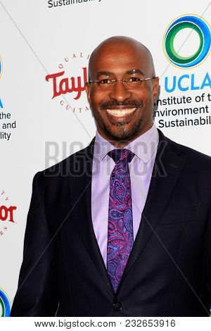 LOS ANGELES - FEB 22:  Van Jones at the UCLA's 2018 Institute Of The Environment And Sustainability (IoES) Gala at the Private Estate on February 22, 2018 in Beverly Hills, CA