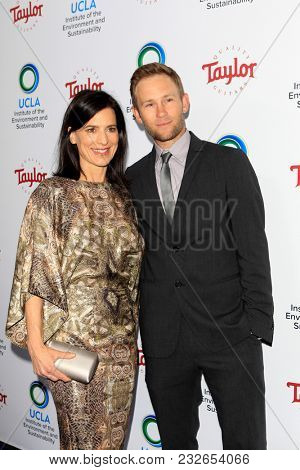 LOS ANGELES - FEB 22:  Perrey Reeves, Aaron Endress-Fox at the UCLA's 2018 Institute Of The Environment And Sustainability (IoES) Gala at the Private Estate on February 22, 2018 in Beverly Hills, CA