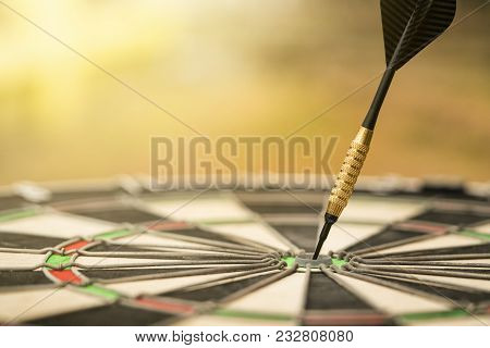 Target Dart With Arrow, Center Point, Head To Target Marketing And Business Concept