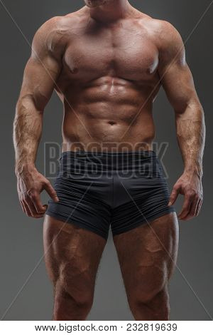 Huge Bodybuileder Poses Showing His Pumped Musculed Body