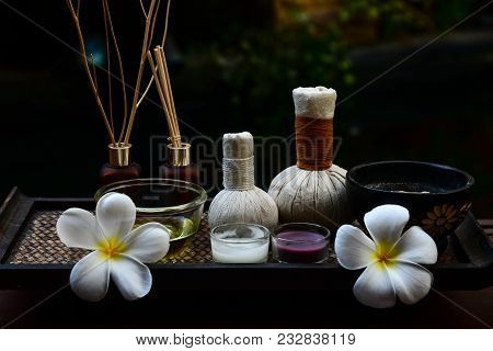 Spa Feet And Hand Thai Massage Compress Balls, Herbal Ball On The Wooden With Treatments Spa , Summe
