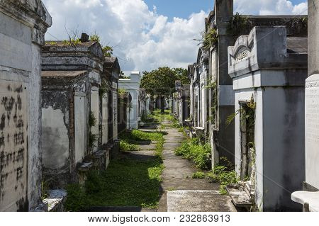 New Orleans, Louisiana - June 18, 2014: Row Of Tombs At The Lafayette Cemetery No. 1 In The City Of