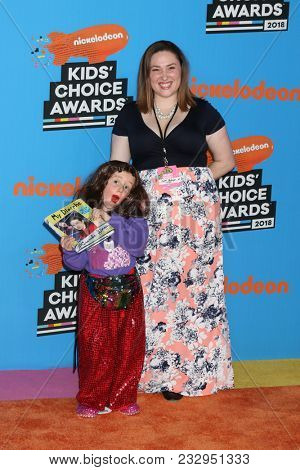 LOS ANGELES - MAR 24:  Parker Ballinger, Miranda Sings, Jessica Parker Ballinger at the 2018 Kid's Choice Awards at Forum on March 24, 2018 in Inglewood, CA