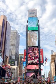 New York, Usa - Aug 17, 2016: Billboards On The Building At 2 Times Square Showing Advertisements In