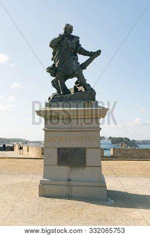 Saint-malo, Ille-et-vilaine / France - 19 August 2019: Statue Of Discoverer And Mariner Jacques Cart
