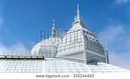 San Francisco, Usa - August 2019: Domes Of Conservatory Of Flowers, A Botanical Garden In Golden Gat