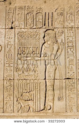 Priestess offering to Goddess Maat