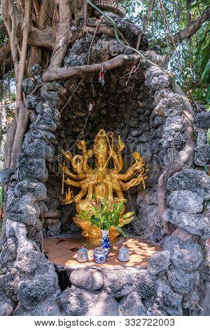 Nha Trang, Vietnam - March 11, 2019: Chua Loc Tho Buddhist Temple, Primary School And Orphanage. Gol