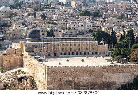 Jerusalem, Israel, November 02, 2019 : View Of Temple Mount, Al Aqsa Mosque And Jerusalem Old City F