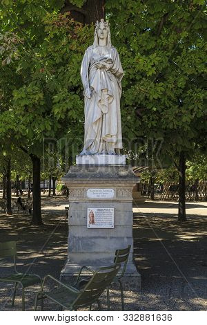 Paris, France - August 30, 2019: This Is A Monument To The French Queen Blanche De Castille In The L