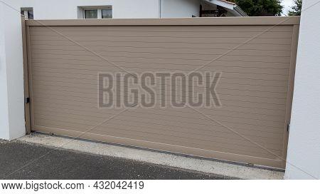 Aluminum Closed Slide Gate Brown Beige Modern Style Home Sliding Portal Of Suburb Door House
