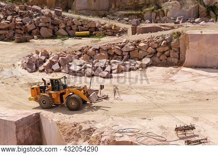 Quarry Wheel Forklift Loader For Loading Stone Blocks In Operating Quarry For The Extraction Of Red
