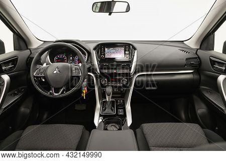 Novosibirsk, Russia - August 31, 2021:mitsubishi Eclipse, Steering Wheel, Shift Lever, Multimedia  S