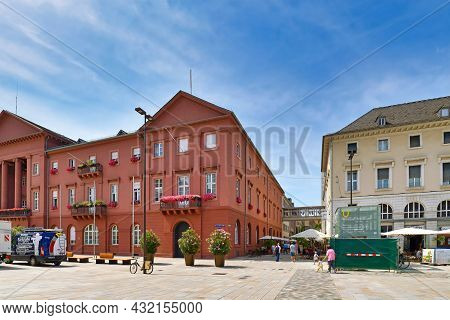 Karlsruhe, Germany - August 2021: Market Square With Town Hall Building At City Center On Sunny Day