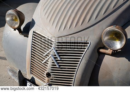 Bordeaux , Aquitaine  France - 09 05 2021 : Citroen 2cv Az 2 Cv Historic Vintage Design Car Retro Ol