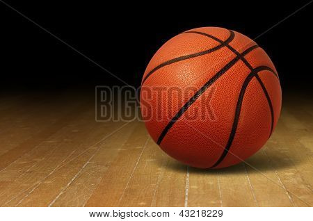 Basketball auf Holz-Hof