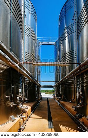 Large Tanks For Fermentation In The Modern Winery