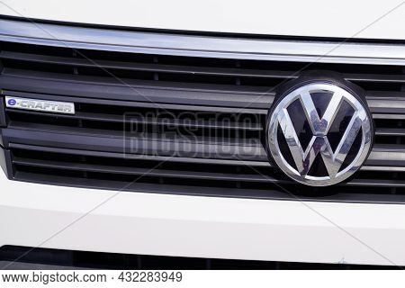 Bordeaux , Aquitaine  France - 09 05 2021 : Volkswagen Crafter Vw Plate Logo Sign Car Van Brand Gril