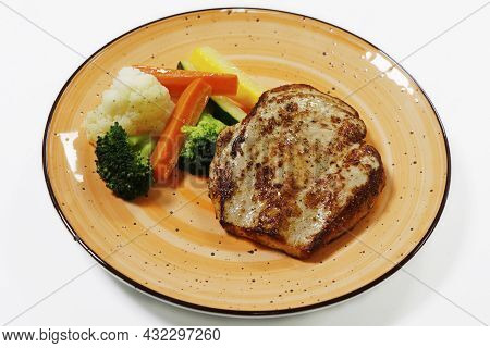 Roasted Chicken Breast With Steamed Vegetables, Includes Carrot, Cauliflower, Broccoli And Zucchini,