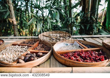 Traditional Indonesian - Balinese Spices Such As Ginger, Aniseed, Cinnamon, Nutmeg, Roselle, Cacao,