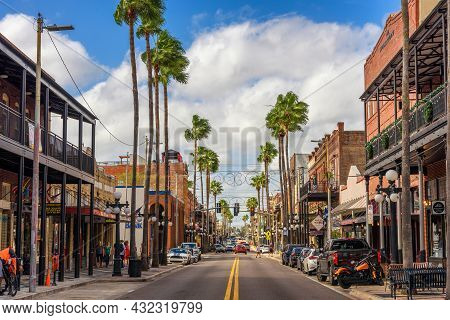 Ybor City, Tampa Bay, Florida. Usa - January 11 , 2020 : Famous 7th Avenue In The Historic Ybor City