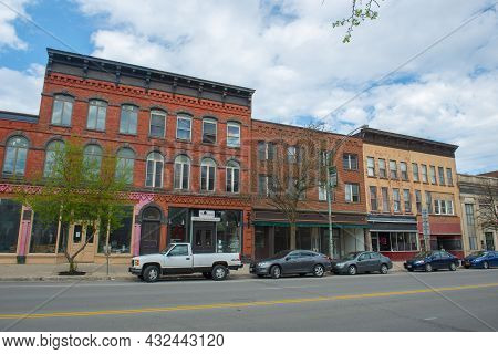 Potsdam, Ny, Usa - Apr. 27, 2017: Historic Sandstone And Brick Commercial Buildings With Italianate